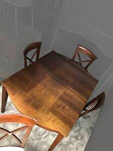 Dining Table plus 4 Chairs - Deco-Style