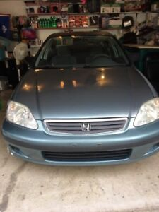 Honda Civic 1999 4dr Automatic ON winter tires 149000km
