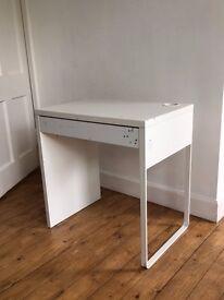 Kid's IKEA desk- £5