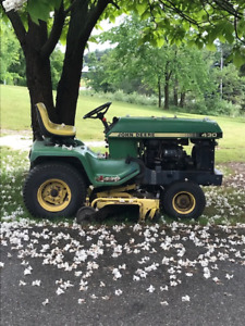 John Deere 430 Diesel Tractor with Mowing Deck
