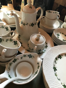 Ivy Design full set of Dishes