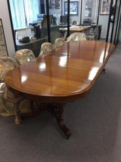 Victorian Antique Mahogany Dining Table with 12 Dining Chairs