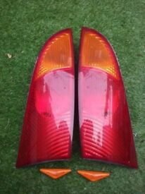 Mk1 Ford Focus rear lights and side repeaters