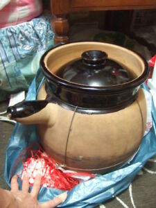 big Chinese traditional cooking Sand / clay Pot ,13x 11,2710