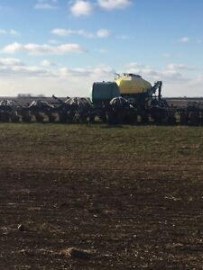Seed Master 5012 with JD 550 Air Cart