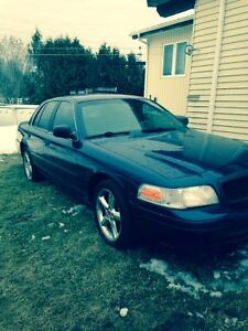 2004 Ford Crown Victoria Berline