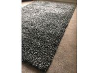 Large grey / black shaggy rug