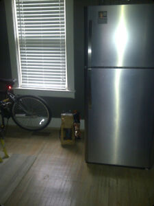 room for rent.  6 blocks from downtown at central and adelaide London Ontario image 3