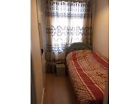 Single room to rent located between Hounslow West & Hounslow Central
