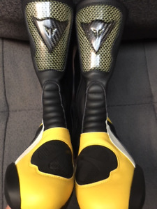 DAINESE BOOTS - NEW & UNUSED/ ALL LEATHER/ KEVLAR