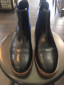 AUTHENTIC COLE HAAN MEN'S BOOTS. NEW COND.