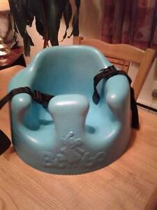 Bumbo 3 attaches comme neuf