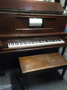 ANTIQUE MASON REICH PLAYER PIANO WORKING WITH MUSIC