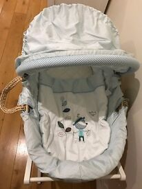 Mamas&Papas Scrapbook Boys Moses Basket With Matching White Stand & 6 mattress covers Excellent Cond