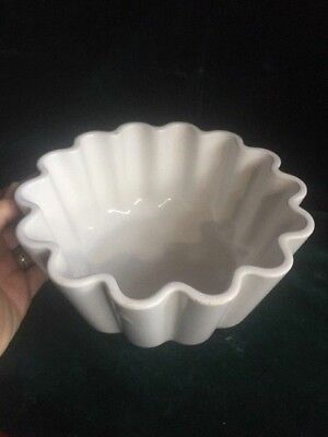 Vintage fluted heavy oven dish cookware tableware