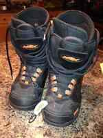 HMK Snow Board Boots Men's Size 9M Black