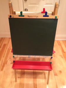 Melissa and Doug Art Easel & Chalkboard