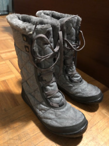 Women's Columbia Winter Boot - Size 5.5