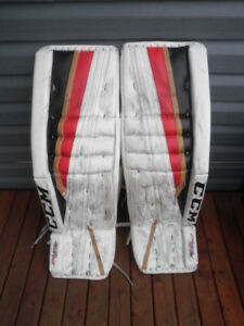 Men's CCM 35+2 Goalie Pads...