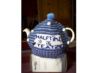 """FOOTBALL """"HALFTIME IS TEATIME"""" TEA COSY - HAND KNITTED - NEW"""