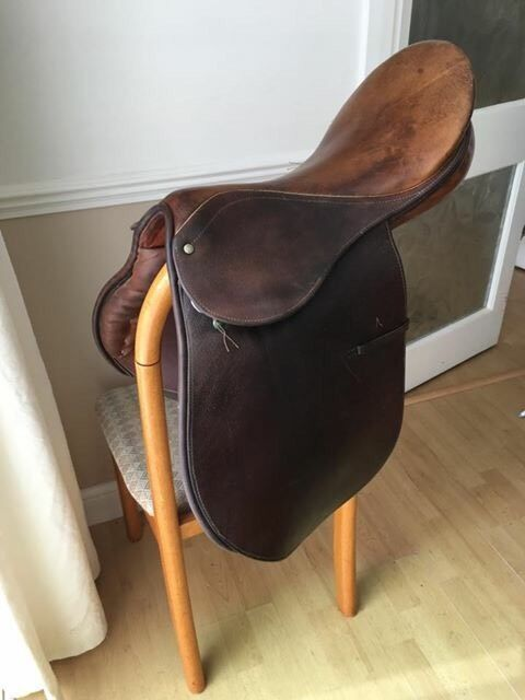 """17"""" B T CRUMP Saddlein St Osyth, EssexGumtree - 17"""" seat size, 7"""" D to D (narrow to medium fit) vintage saddle, high quality workmanship out of the original B T Crump workshop in the US. Still in great usable condition with usual scuffs and wear"""