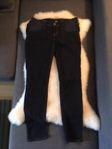 Maternity jeans and clothing size M