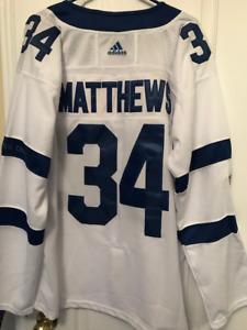 Toronto Maple Leafs Auston Matthews NEW Hockey Jersey