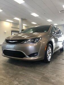 2017 Chrysler Pacifica Touring-L Plus REDUCED $222 BW 5874000812