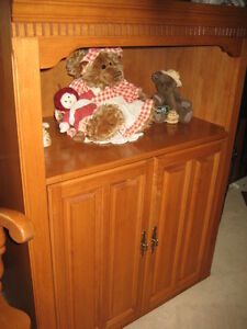 REDUCED! GENUINE VINTAGE ROXTON MAPLE CABINET, MINT COND!