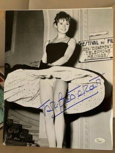 BRIGITTE BARDOT HAND SIGNED OVERSIZED 11x14 PHOTO     YOUNG+GORGEOUS+SEXY    JSA