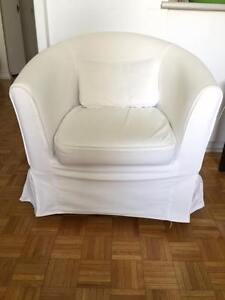 Fauteuil Blanc - White Armchair in good condition, washable slip