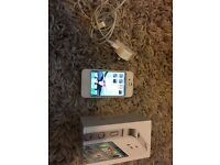 Apple iPhone 4s - 16GB - White Smartphone UNLOCKED ALL NETWORKS Excellent Condition