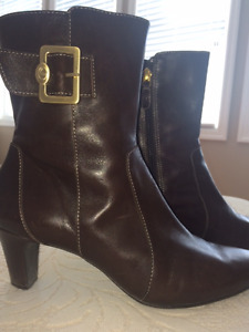 LIKE NEW! Circa Joan and David Brown Leather Boots