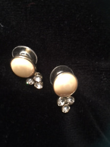 Gold and pearl earings