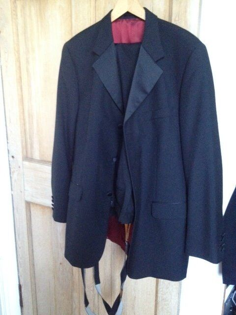 Quality Fellini fine Wool mix Dinner Suit with stunning lining and braces 42 L jacket, 36 L waist
