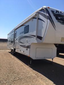 5th wheel trailer