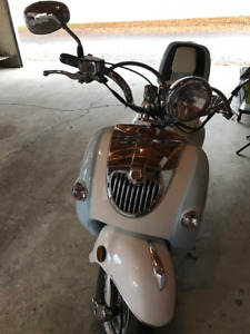 2014 Benzhou Scooter for SALE $2800.00 OBO