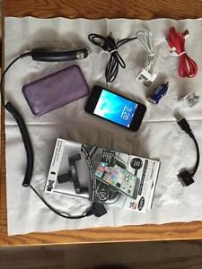 IPHONE 4S 18GB WITH ACCESSORIES TELUS