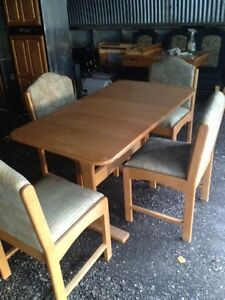 """36"""" / 48"""" oak dining room set complete with 4 chairs"""