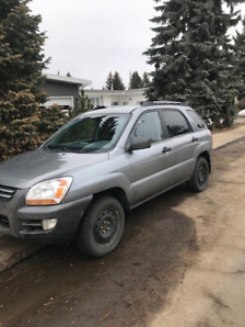 2006 Kia Sportage With Two Sets of Tires
