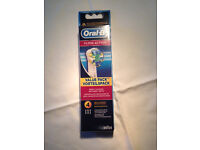 Oral B Replacement Brush Heads pack of 4 Floss action