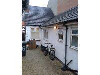 2 Bed - End Terrace - Victoria Park - Evington