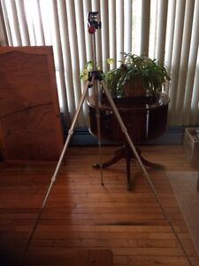 Collapsible Camera Tripod - REDUCED