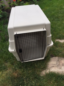 Extra large  XL portable dog kennel with water dispenser