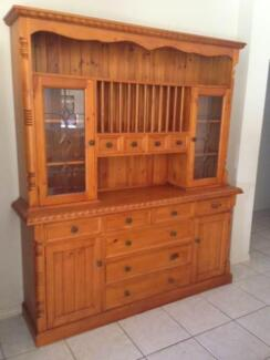 Buffet and Hutch and Dining Table Package!!! Thornlands Redland Area Preview