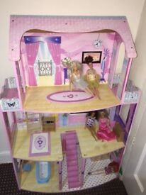 Dolls House Good Condition With Furniture & Dolls