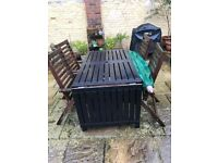 extendable garden table with 4 reclining chairs
