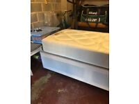 SINGLE DIVAN BED (WITH 2 DRAWERS) WITH MATTRESS *NEARLY NEW*