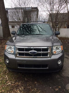 2009 Ford Escape Familiale