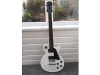 Epiphone Les Paul LP100 White with amp and pedal